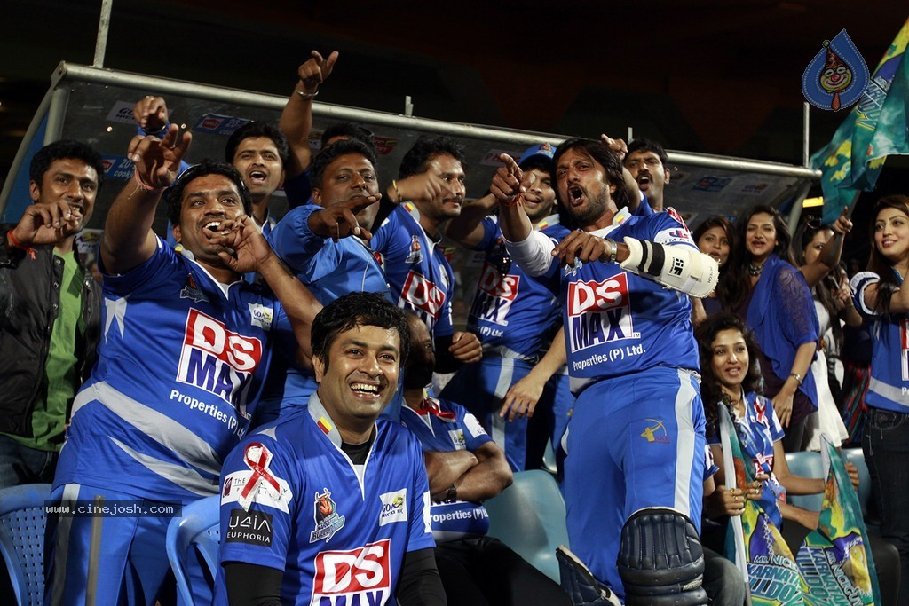 8th T20: Karnataka Bulldozers vs Bengal Tigers