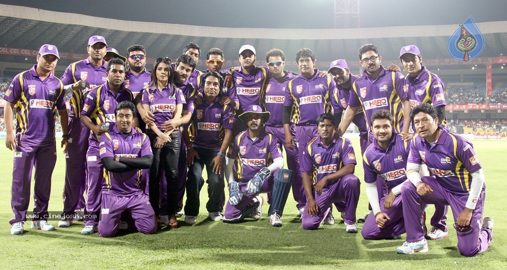 CCL 5: Bengal Tigers Team Logo & Kits 2015